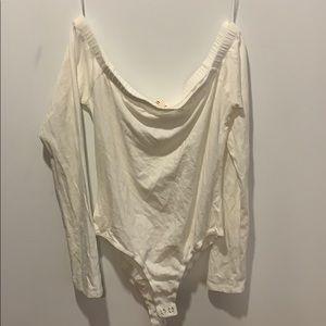 ⚡️3 for $25✨Off the shoulder bodysuit